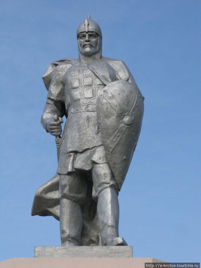 1472797693_pamyatnik-evpatiyu-kolovratu-pas_-inyakino-ryazanskoy-oblasti